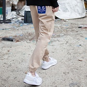 R.S PATCH JOGGER PANTS BEIGE