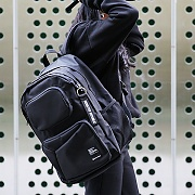 COMMA DAYPACK / BLACK