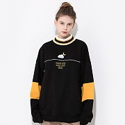 LINE TURTLENECK SWEATSHIRT