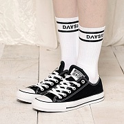 LINE TRAVEL SOCKS
