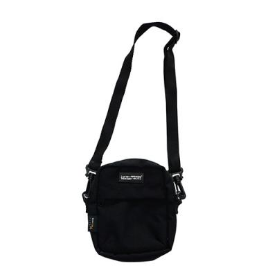 LOGO POUCH BAG-BLACK