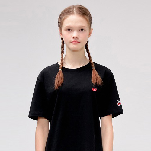 HEART CHERRY T-SHIRTS IS [BLACK]