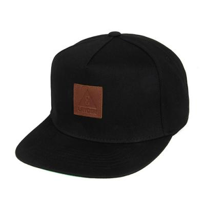 LEATHER ICON SNAPBACK-BLACK